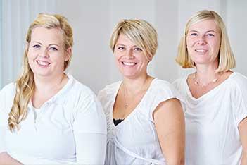 Teamfoto: Dr. Plakolm, Hebamme Michaela Lehner, Stefanie Hötzinger